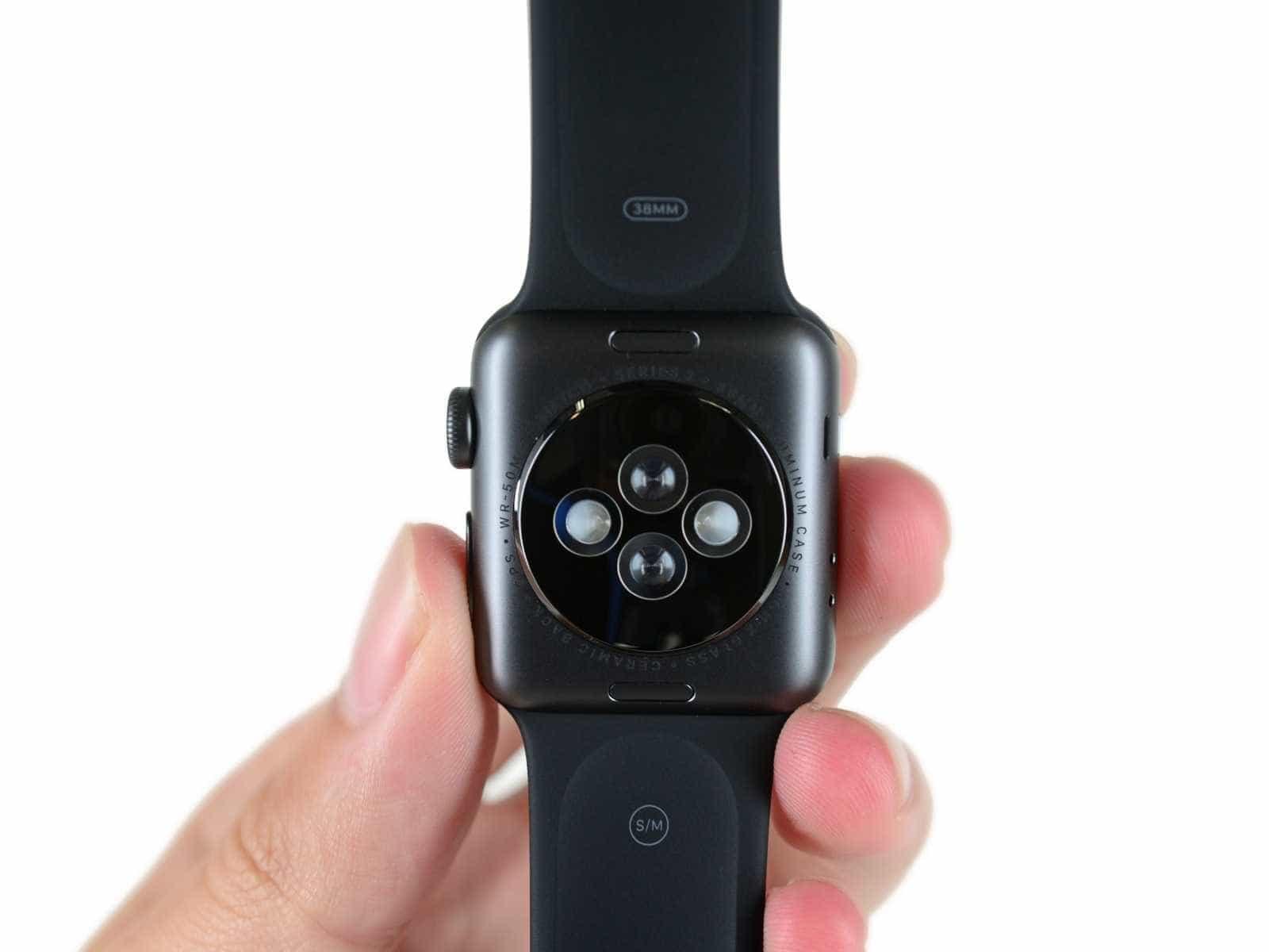 Veja como é o interior do pequeno Apple Watch series 2 -