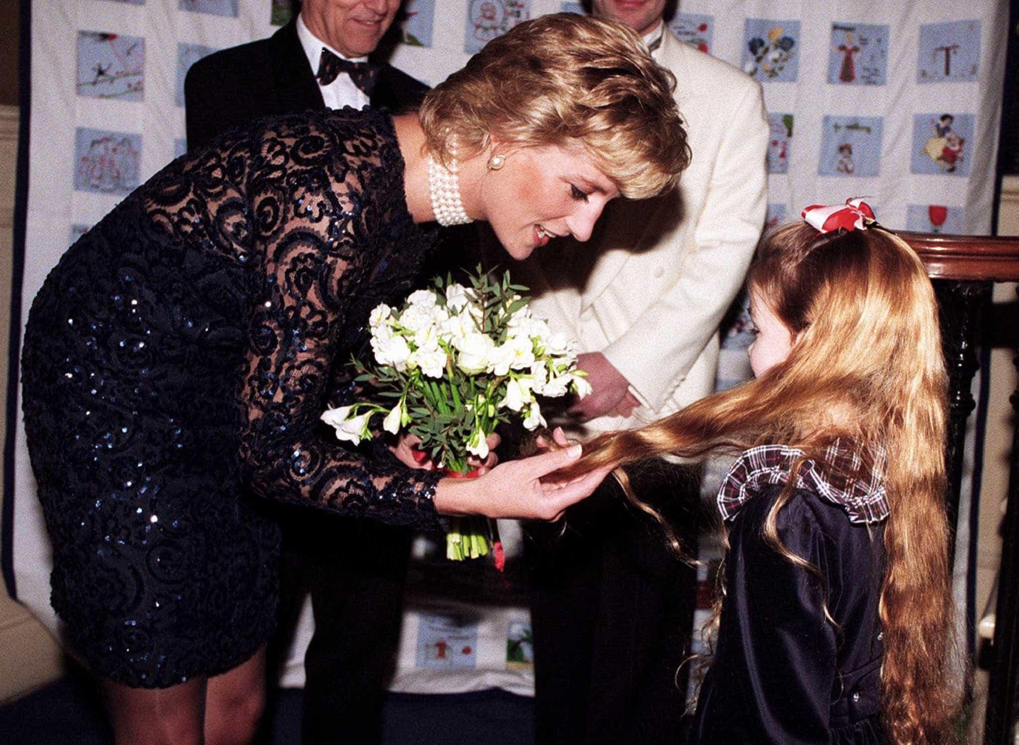 Princesa Diana recusava usar luvas. Saiba porquê