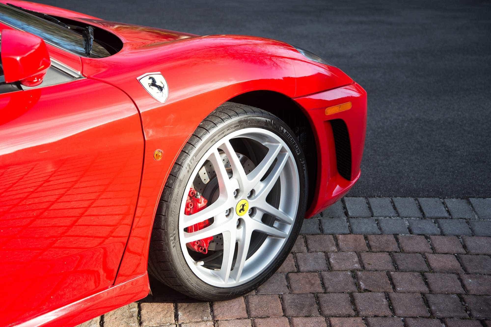 Antigo Ferrari de Trump vai a leilão. Mas não vai sair barato