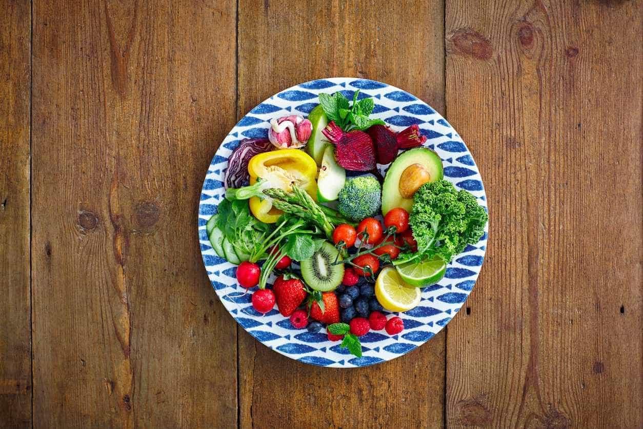 Uma centena de alimentos para combater a fome de forma saudável -