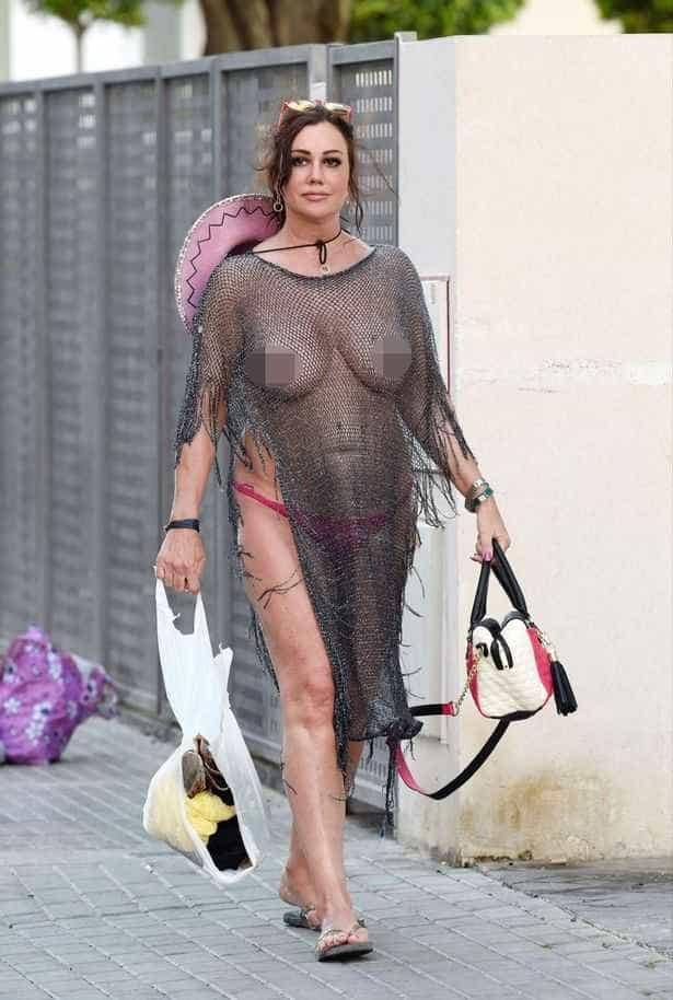 Sim, houve uma celebridade que saiu desta forma à rua -