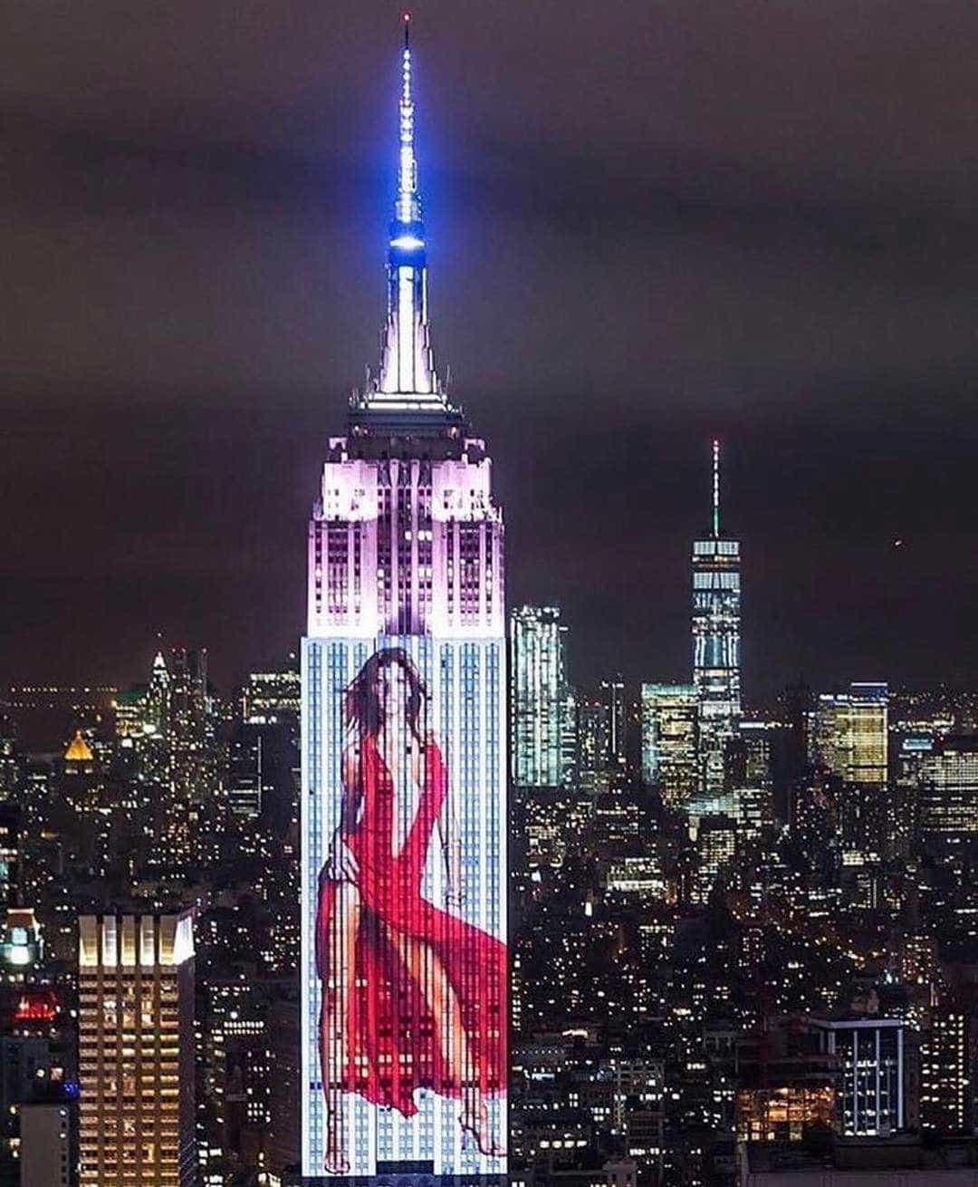 Gisele Bündchen, Rihanna, Kendall e Beyoncé projetadas na Empire Building