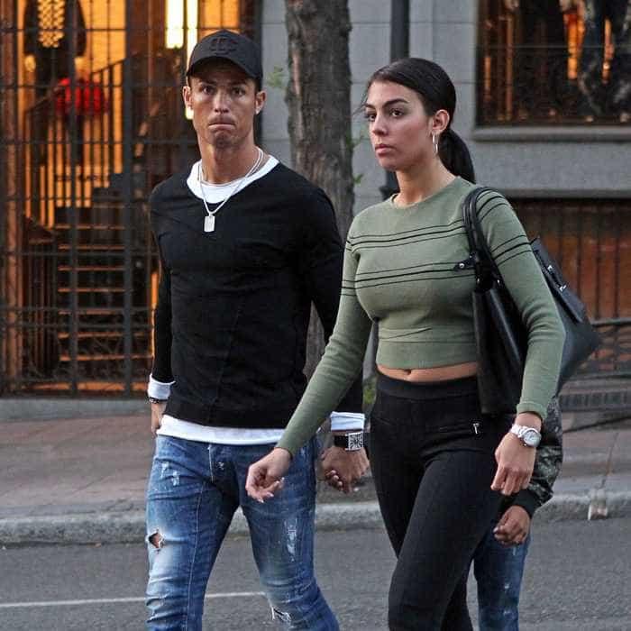 O passeio em família de Ronaldo ao lado de Georgina e do filho