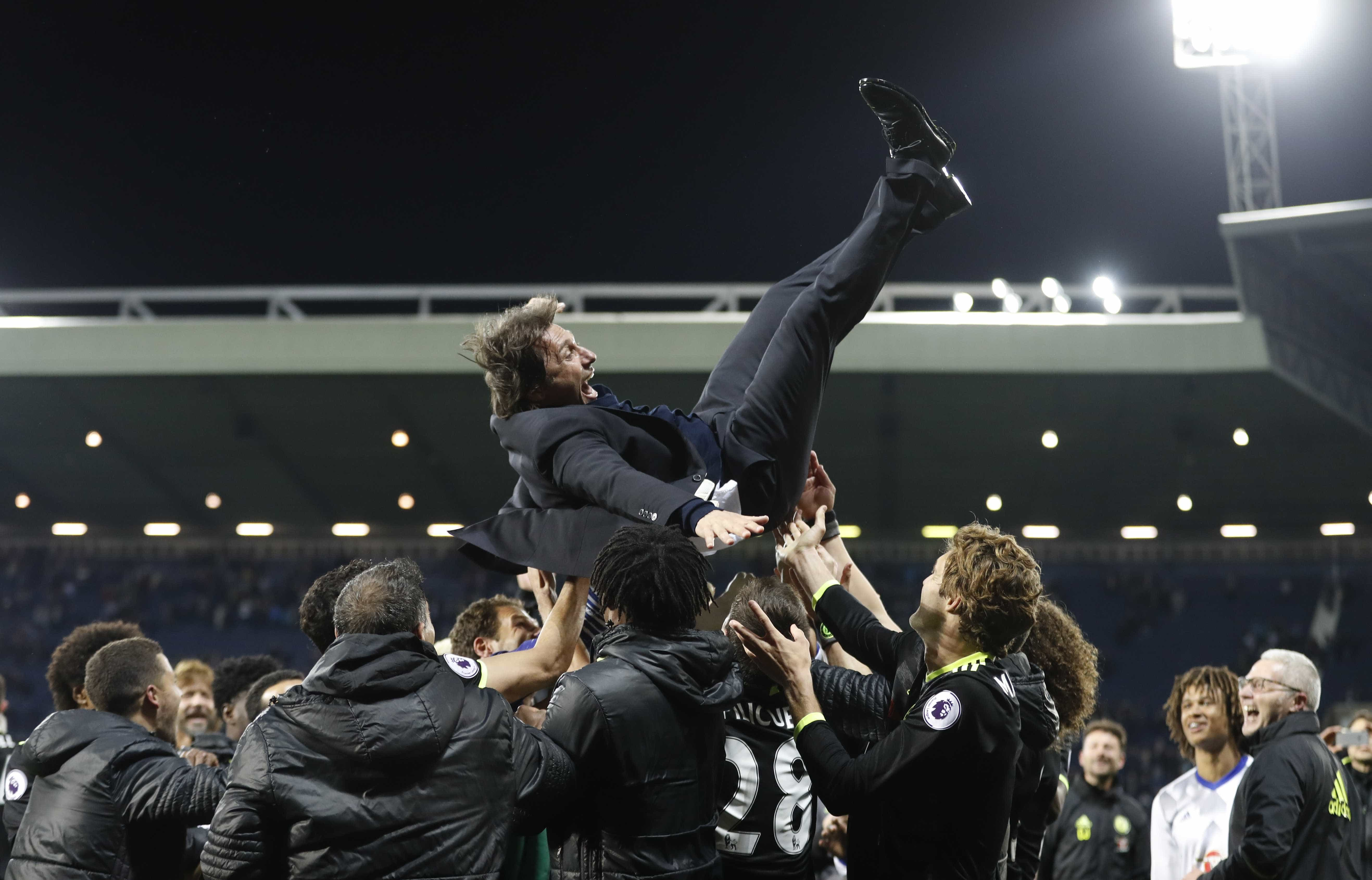 Chelsea vence West Bromwich e conquista Premier League